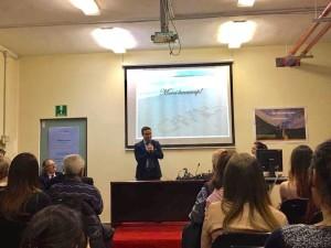 Il presidente Nicola Affronti durante il suo intervento in occasione della consegna della Borsa di studio