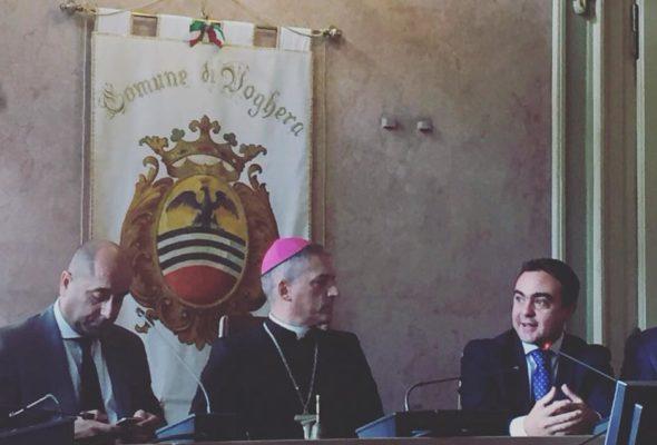 Il Vescovo Mons. Vittorio Viola incontra l'Amministrazione Comunale, in Sala Consiliare, nell'ambito della visita pastorale al Vicariato di Voghera