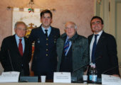 Il Presidente Affronti, l'Assessore Geremondia ed il sindaco premiano NESPOLI – centinaia di persone in municipio