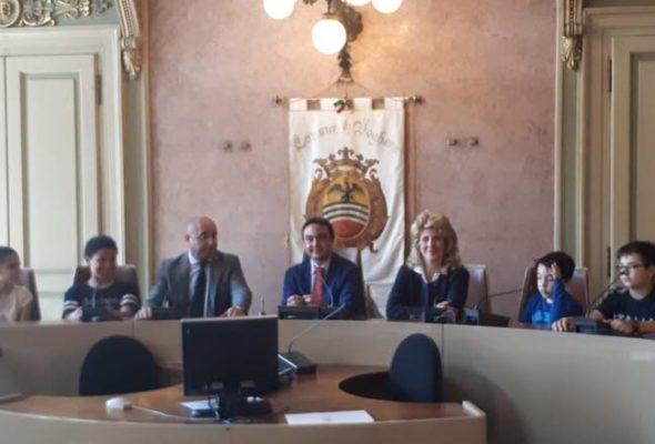 «CONSIGLIO COMUNALE DEI RAGAZZI» con gli studenti dell'Istituto Sacra Famiglia Suore Benedettine