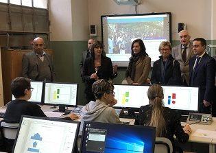 inaugurato il nuovo laboratorio di informatica per la scuola Media Pascoli