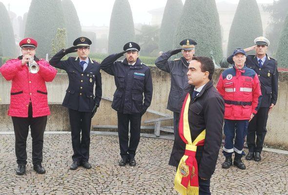 4 NOVEMBRE – Il Presidente Affronti depone le corone ai caduti durante la cerimonia cittadina